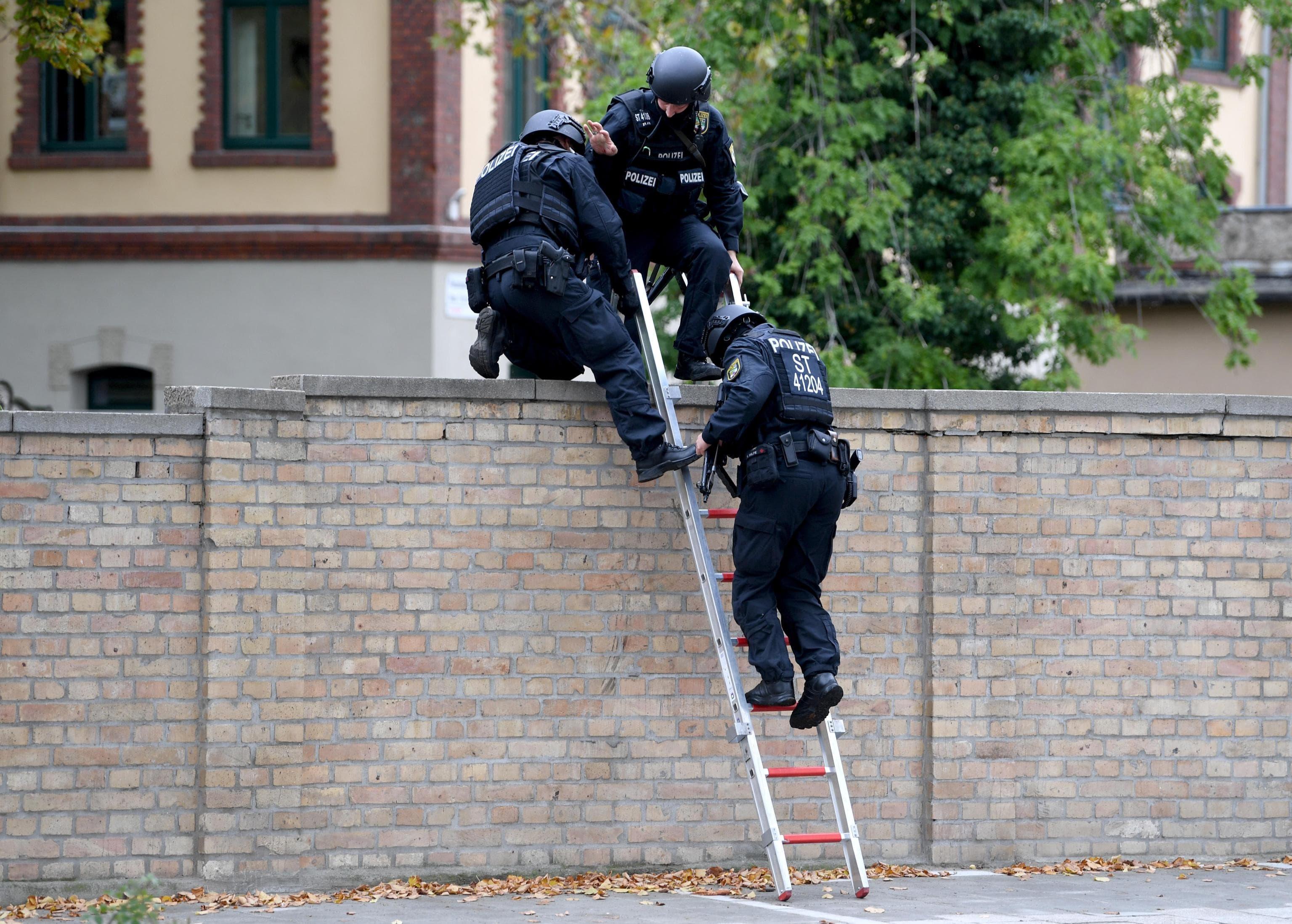sparatoria halle polizia germania ansa epa-2