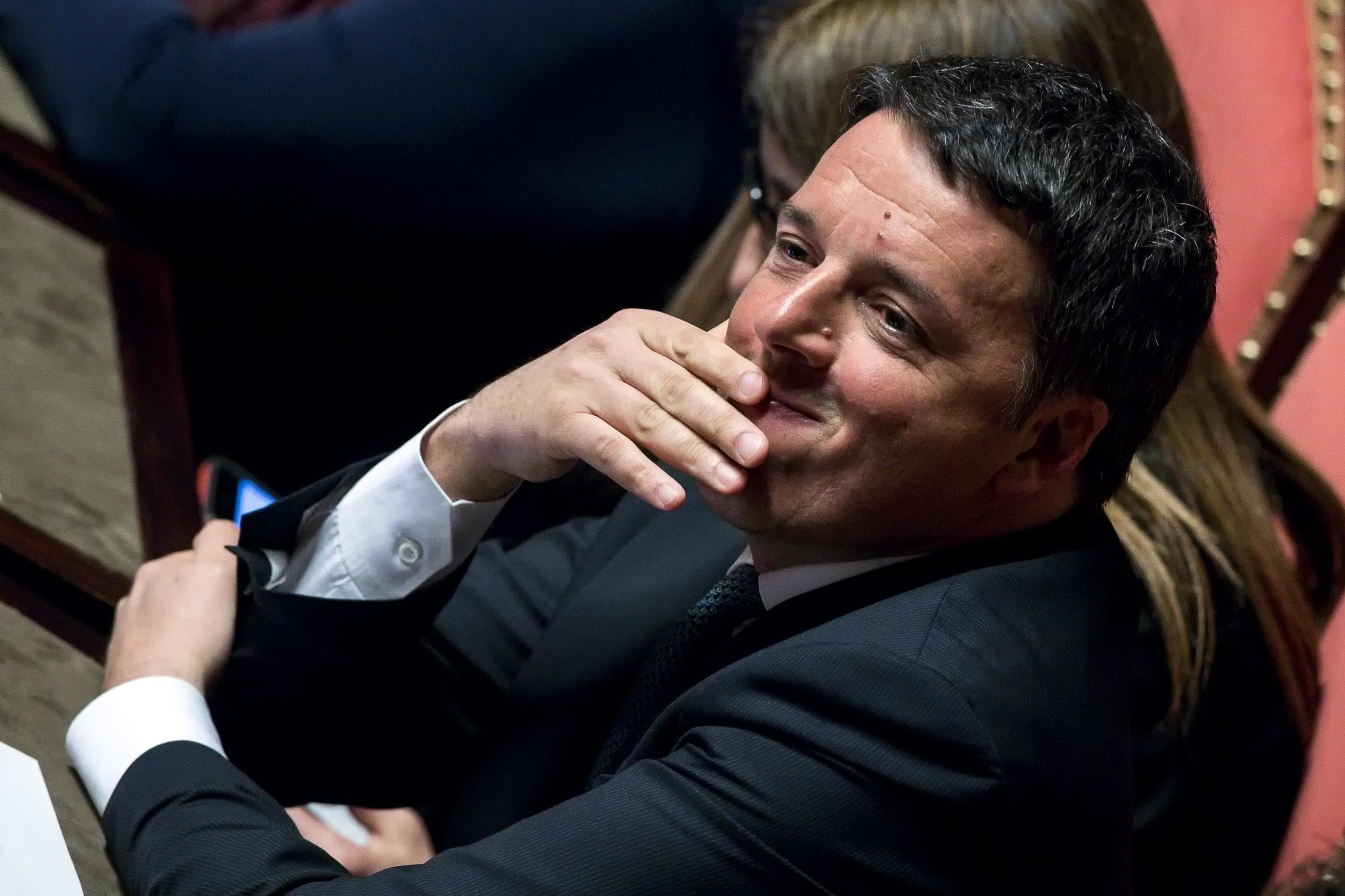 Matteo Renzi durante l'informativa del presidente del consiglio Paolo Gentiloni in aula al Senato sulla situazione in Siria, Roma, 17 aprile 2018. ANSA/ANGELO CARCONI