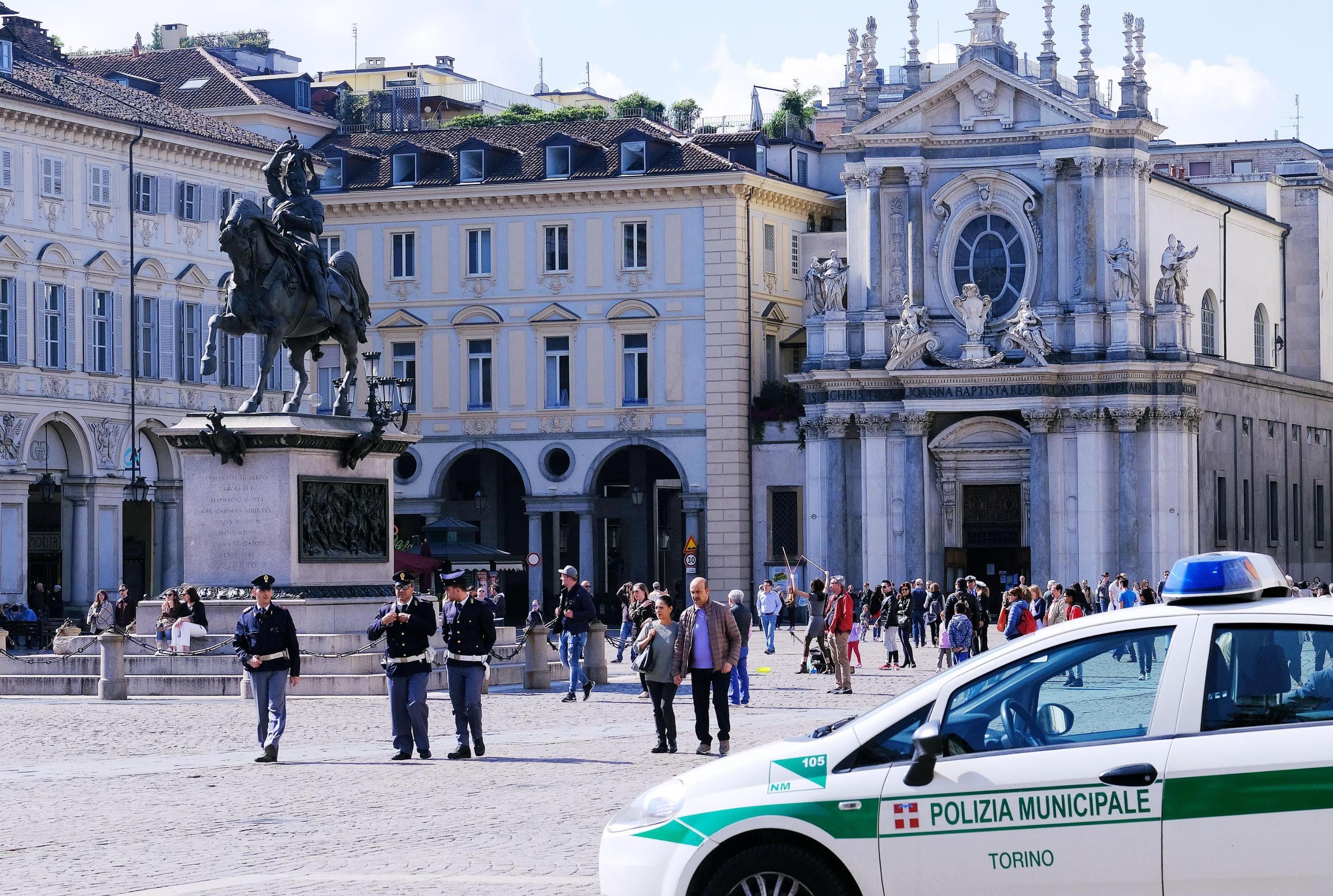 piazza san carlo torino polizia ansa-3