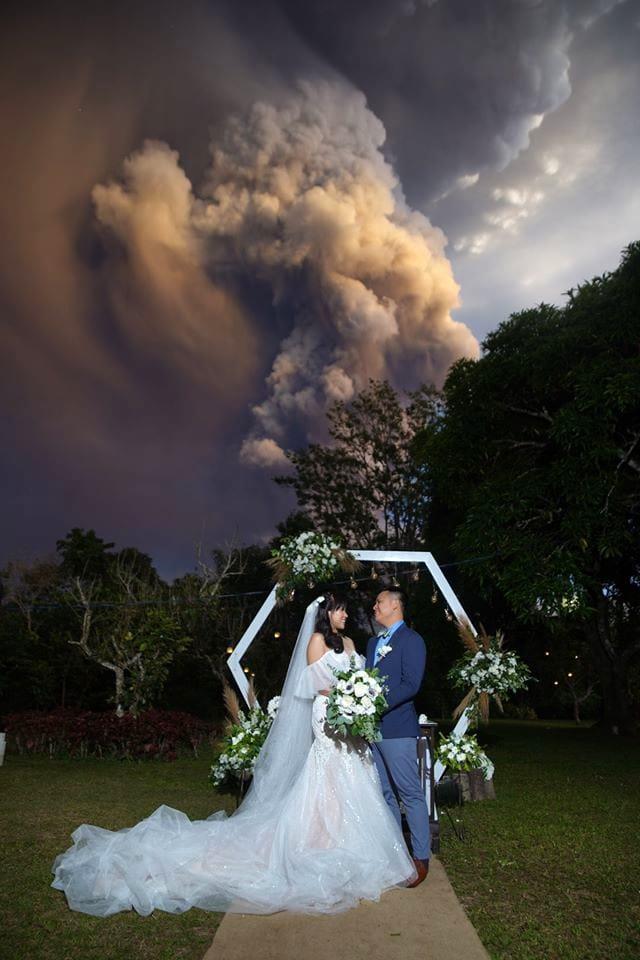 sposi vulcano erutta-3