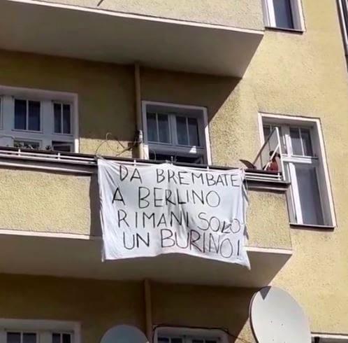 Striscione Salvini-4