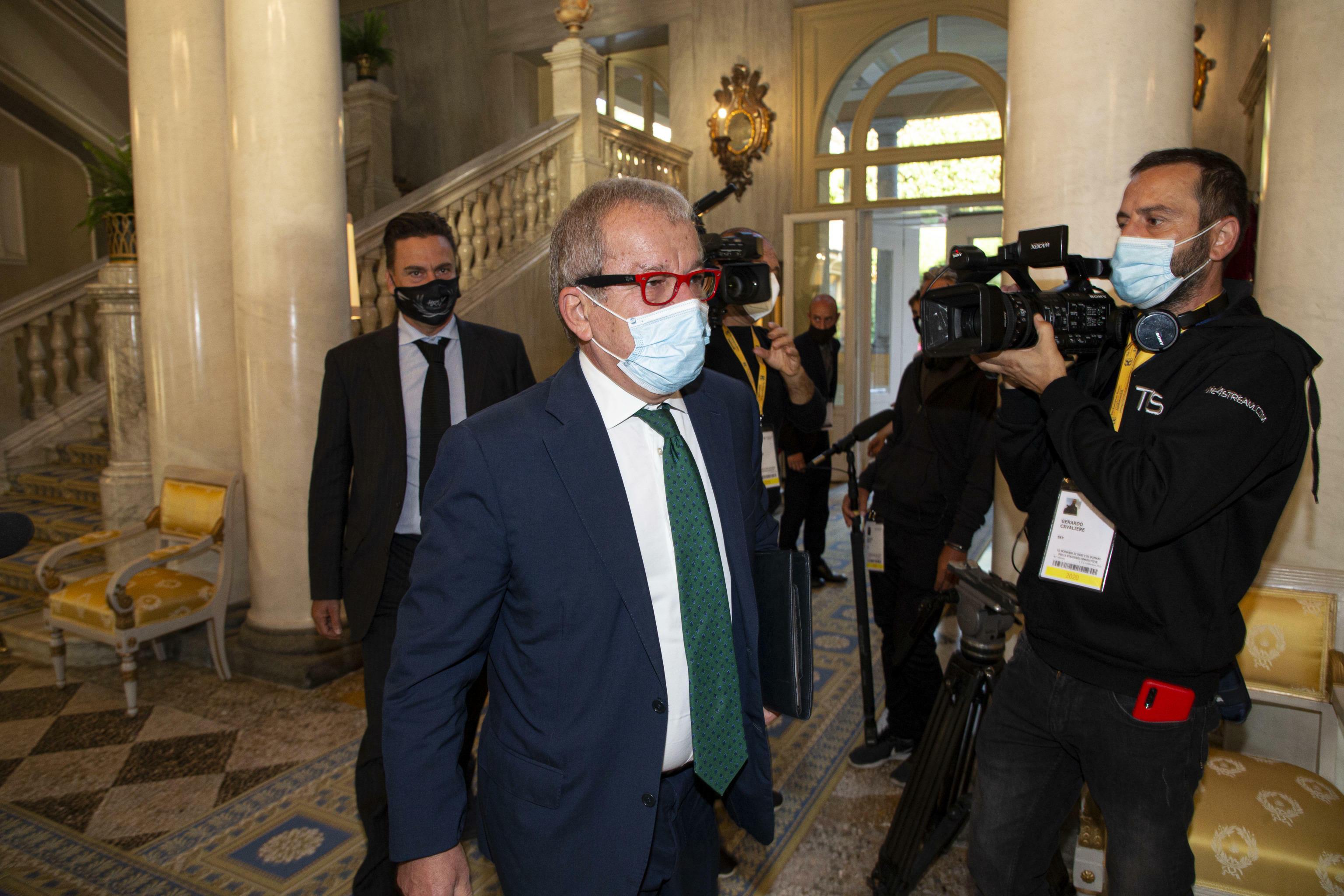Roberto Maroni operato dopo un malore