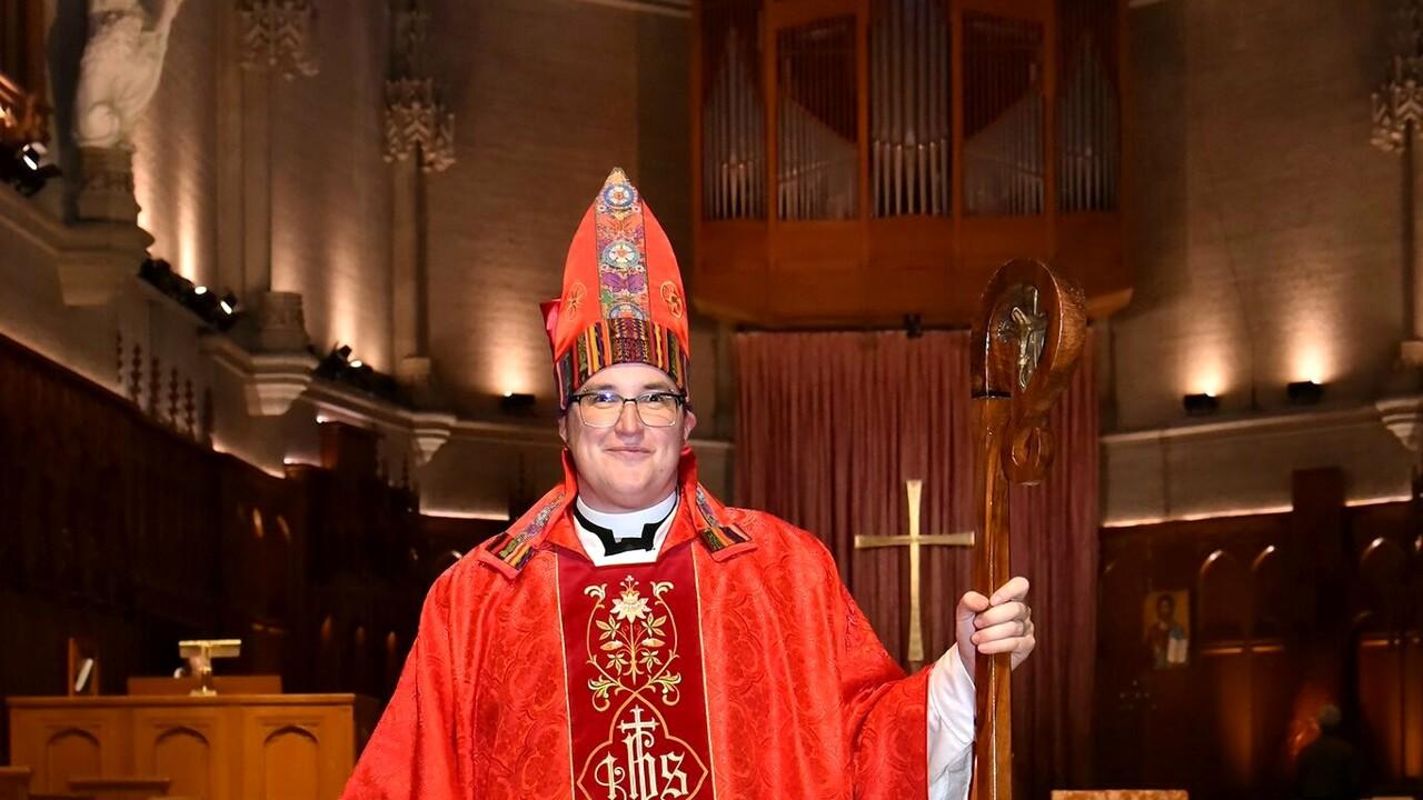 """Primo """"vescovo trans"""" nella storia della Chiesa"""
