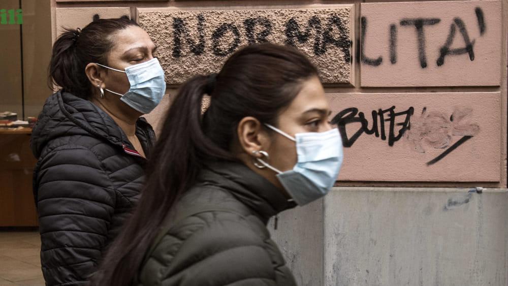 La nuova inchiesta di Striscia La Notizia sulle mascherine biotech insicure