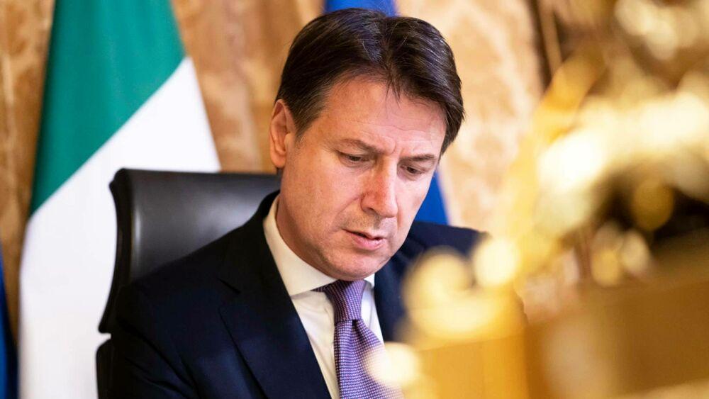 Governo di salvezza nazionale: le dimissioni e il Conte-ter con Renzi e Forza Italia
