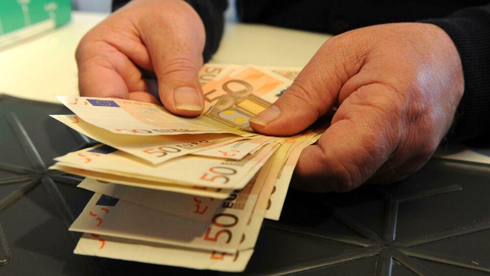 """Il sindaco offre 3mila euro di 'taglia' per i vandali e subito tutti fanno la """"spia"""""""