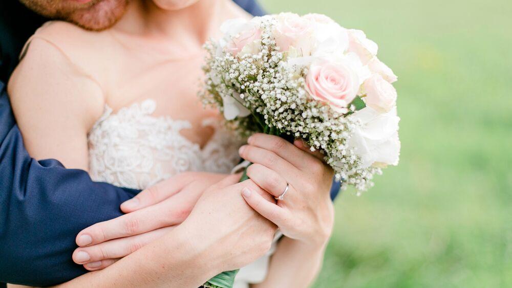 Matrimonio shock: lo sposo scopre che la moglie è... la sorella scomparsa tanti anni prima