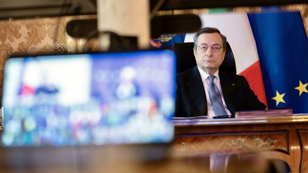 Il governo Draghi verso il lockdown soft entro venerdì: super zona rossa in tutta Italia, scuole chiuse e anticipo del coprifuoco