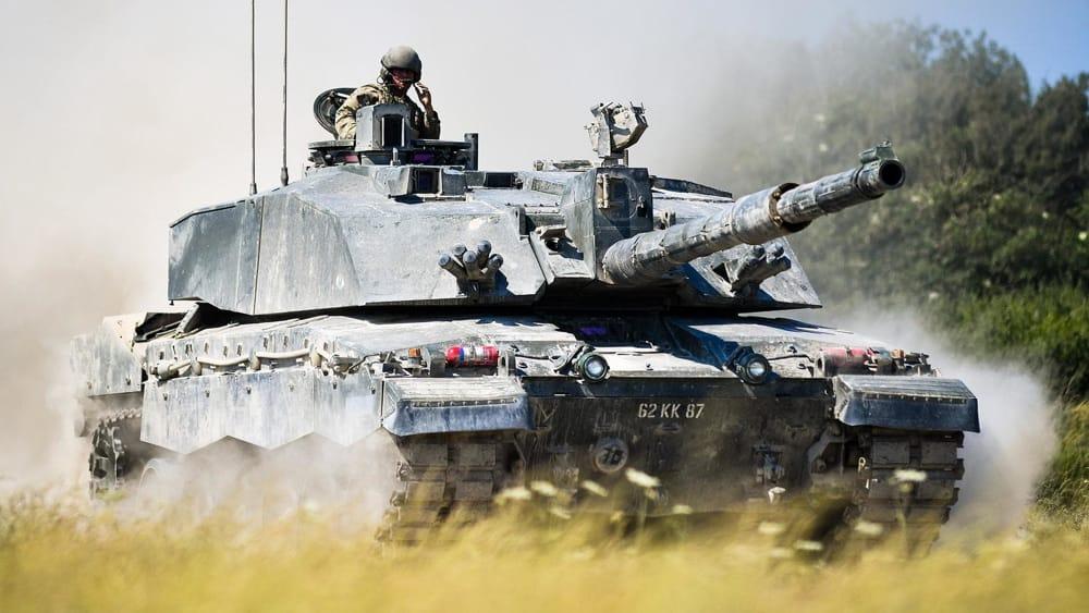 """""""Rappresento un museo, prestatemi il carro armato"""": pensionato ruba 20 veicoli militari"""