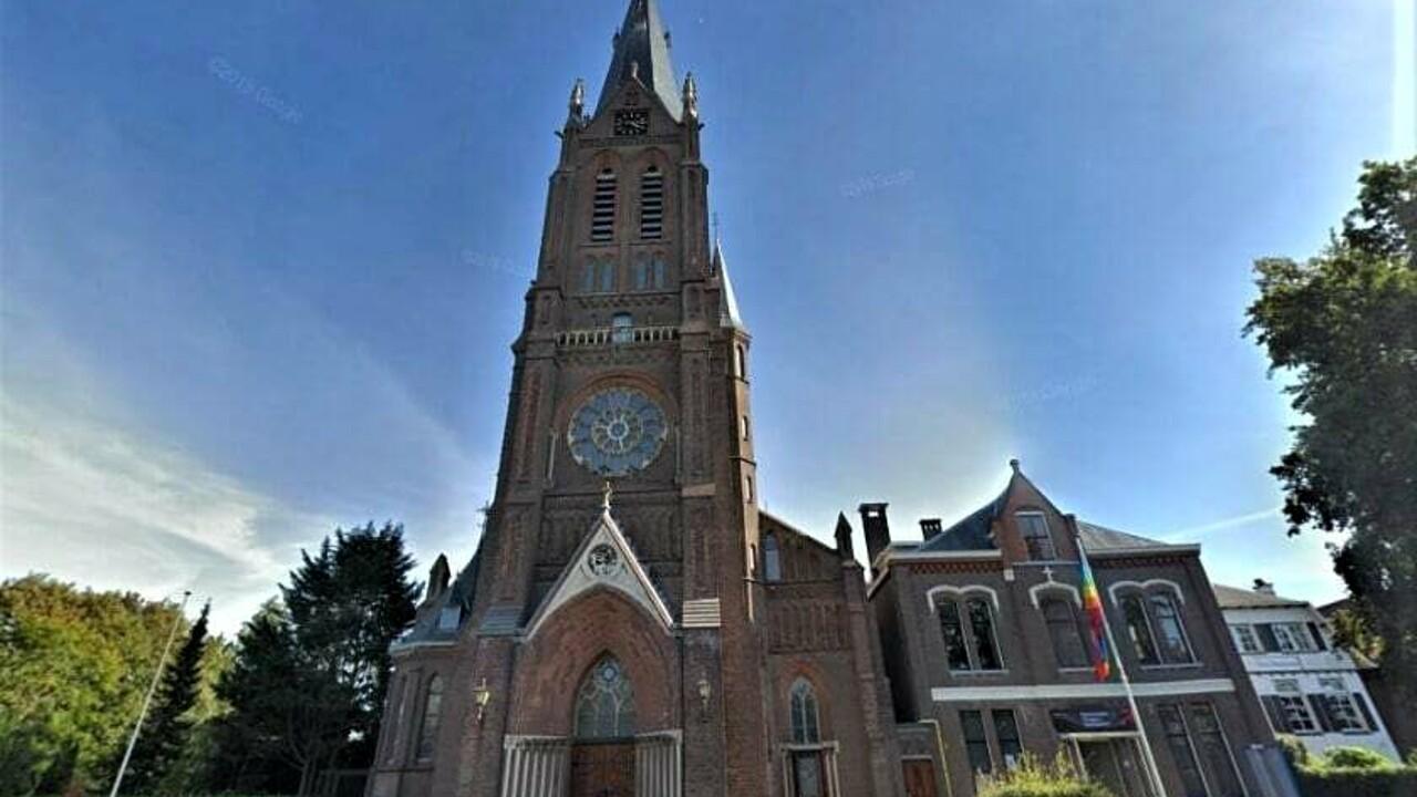 Comune minaccia chiesa: abbassi il volume delle campane o multa di 1000 euro al giorno
