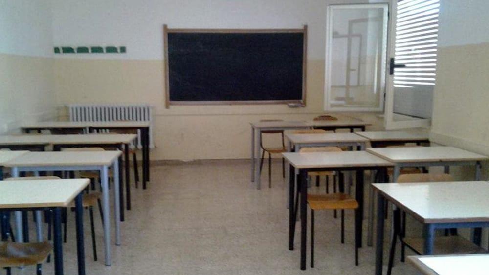 Insulta la maestra nel tema di quinta elementare: genitori dovranno pagare 1.000 euro