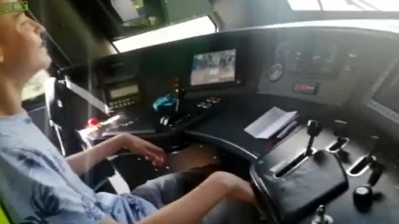 Un 15enne alla guida del treno: polemica in Olanda