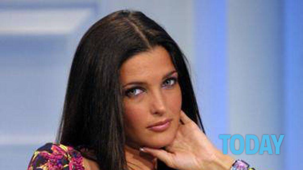 Alessia Mancini Calendario.Che Fine Ha Fatto Alessia Merz Tornerei In Tv Per Fare Il