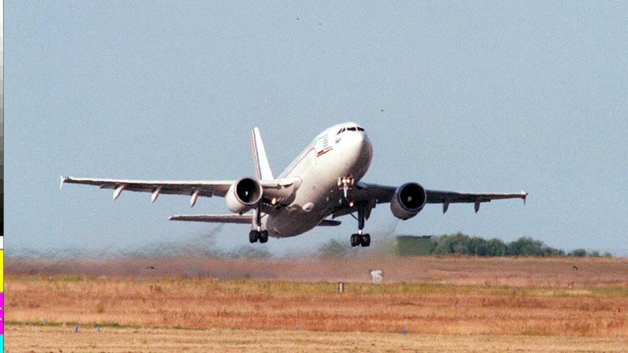 Prende l'aereo da Palermo per andare a Bologna: si ritrova in Polonia
