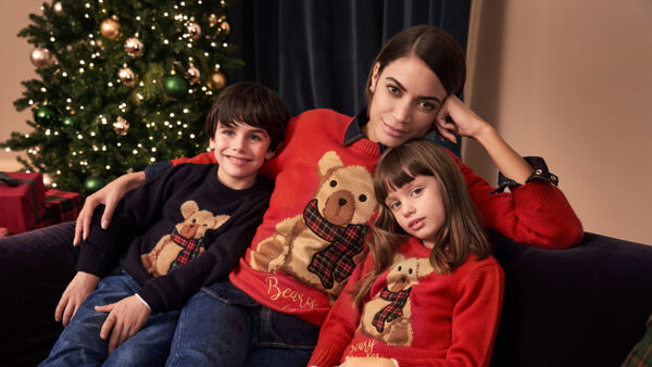 "Christmas Jumper Day, Elodie disegna il maglione ""solidale"" di Ovs per Save the Children"