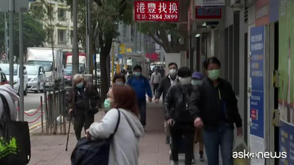 Coronavirus, vittime superano 2.000 casi. Russia chiude alla Cina