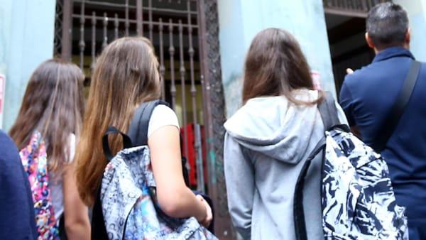 look per andare a scuola, foto @ansa
