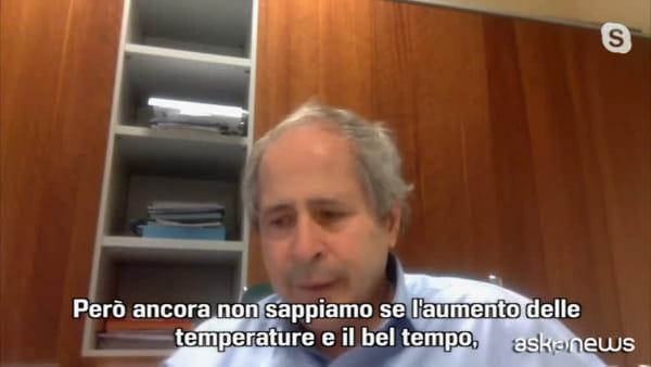 Il virologo Crisanti: il plasma funziona, no garanzie sul vaccino