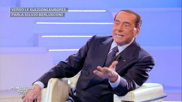"""Berlusconi: """"Il Paese è in mano a Di Maio, gli italiani sono tutti pazzi!"""""""