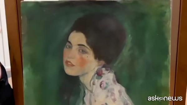 Piacenza, nascosto in un'intercapedine il quadro rubato di Klimt