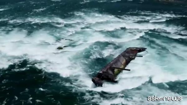 Cascate del Niagara, maltempo sposta una nave ferma da 101 anni