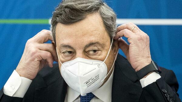 Il piano del governo Draghi per le riaperture: un decreto per il coprifuoco a mezzanotte da metà maggio