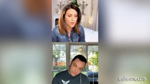 """Tiziano Ferro e Laura Pausini cantantano """"Non me lo so spiegare"""""""