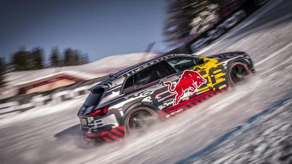 VIDEO | Audi e-tron affronta la leggendaria Streif di Kitzbühel in salita