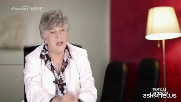 """Crozza diventa Irene Pivetti: """"Chiamatemi 'Parte lesa'"""""""