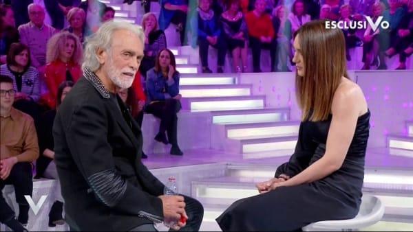 Riccardo Fogli si commuove e parla della moglie Karin dopo quello è successo all'Isola