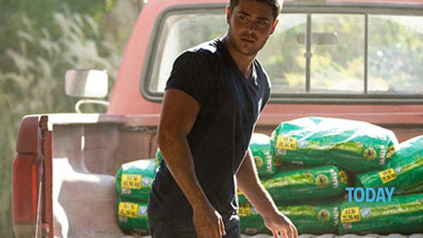 "Otto chili di muscoli per Zac Efron, marine innamorato in ""The Lucky One"""