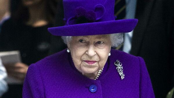 """""""I medici hanno vietato alla regina Elisabetta di bere Martini dry e alcolici"""""""