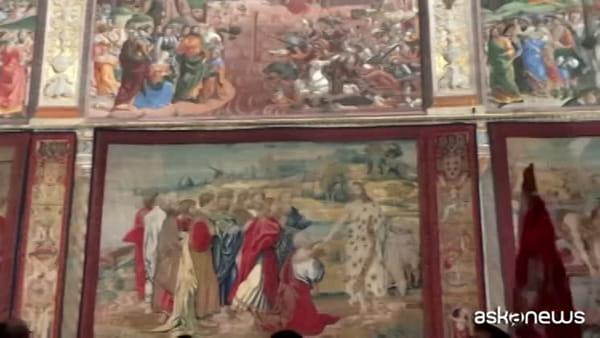 Nella Cappella Sistina per la prima volta 12 arazzi di Raffaello