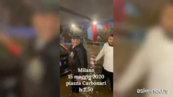 Nubifragio Milano, l'ira di Rocco Tanica bloccato nel sottopasso