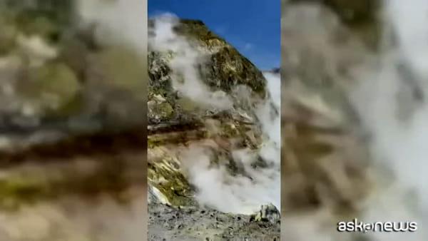 Erutta vulcano in Nuova Zelanda: almeno un morto, alcuni dispersi
