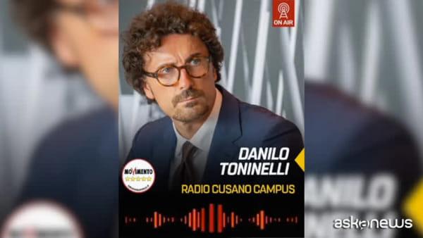 """Toninelli va giù duro su Autostrade e attacca Salvini """"squallido"""""""