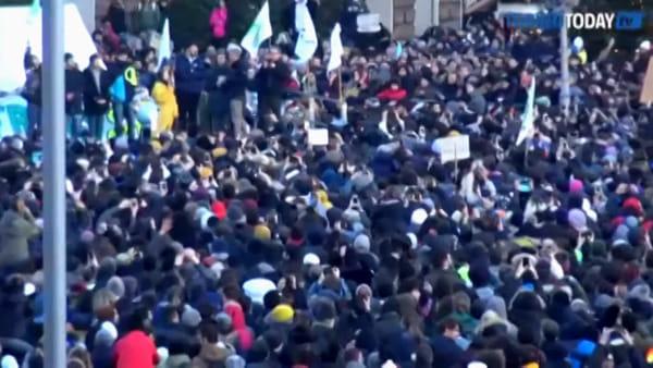 Greta Thunberg a Torino maPiazza Castelloè semi vuota