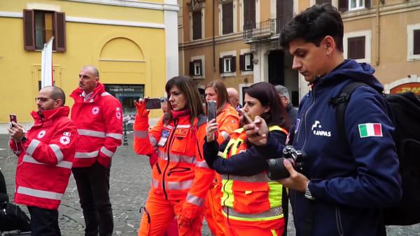 """I volontari delle """"emergenze"""" in piazza contro la riforma del 118"""