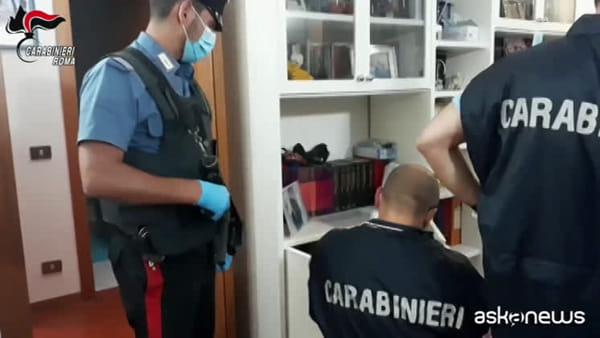 Truffe sui fondi pubblici e riciclaggio: 28 arresti a Roma