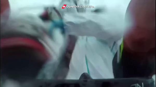 Salvatore, l'angelodel mare che ha salvato i bambini dal naufragio di Lampedusa