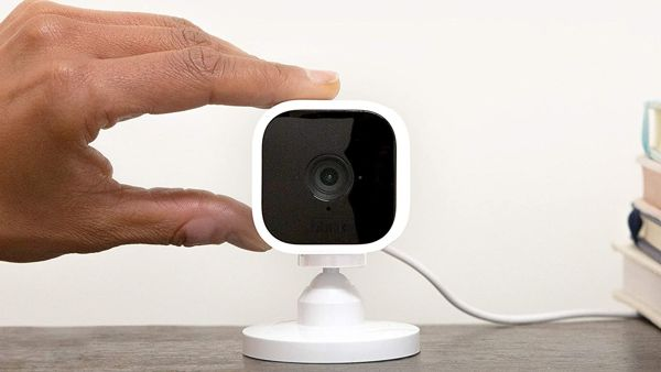 Blink Mini: da Amazon una videocamera di sicurezza intelligente low cost