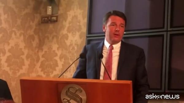 Matteo Renzi insiste: niente elezioni subito, serve un governo