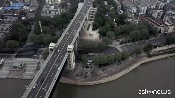 A Wuhan via le ultime restrizioni: si potrà uscire dalla città