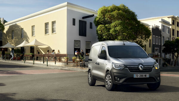 2021 - New Renault Express Van on location-2