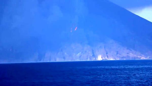 Stromboli, il momento dell'eruzione (tra le più violente mai registrate)