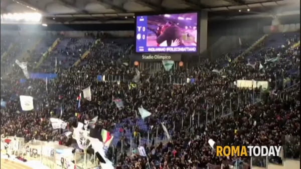 """Proposta di matrimonio all'Olimpico prima di Lazio-Inter: il """"sì"""" davanti a 60mila spettatori"""
