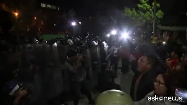 Caos in Bolivia, Morales verso la vittoria ma sospetto di brogli