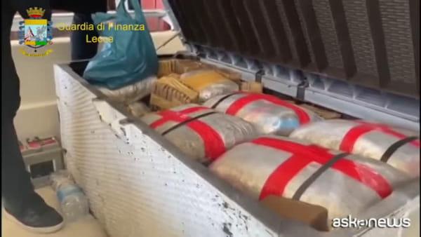 Mezza tonnellata di droga nascosta in barca: un arresto a Lecce