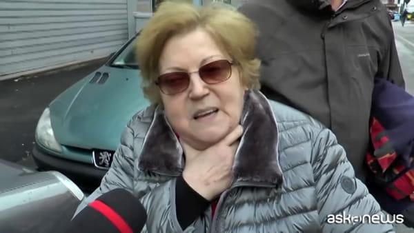 Il maltempo non dà tregua, voragine in strada a Napoli