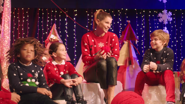 """Christmas Jumper Day, Alessandra Amoroso per Save the Children: """"Il mio augurio per un Natale solidale"""""""